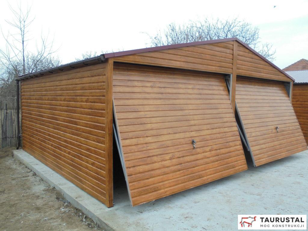Garaż Akrylowy Złoty Dąb Z Rynnami