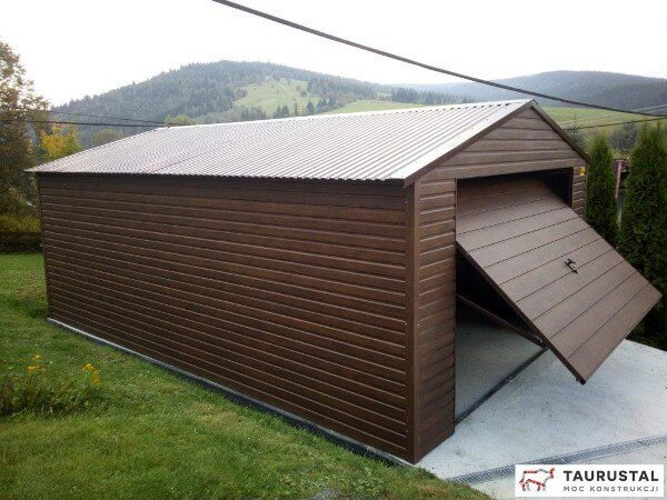 Pojedyńczy garaż dwuspadowy